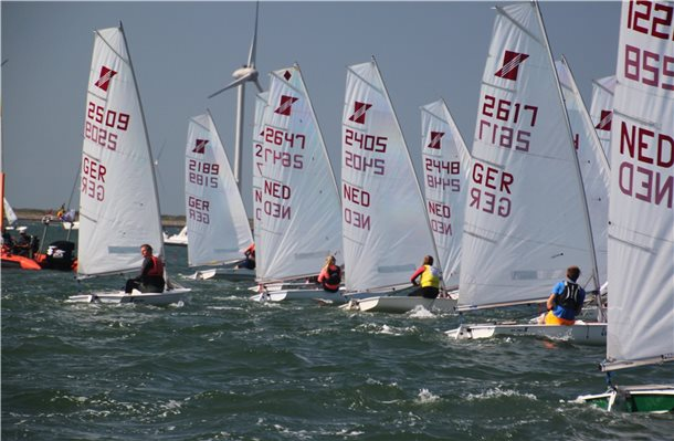 100 Boote waren in der Oosterschelde am Start. Foto. privat