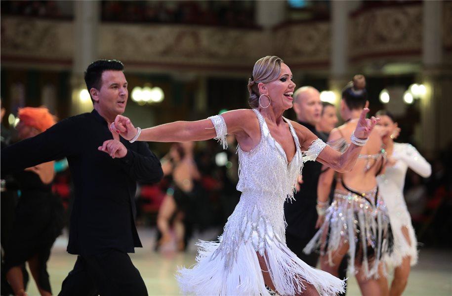 TSG-Tänzer reisen zum Tanzturnier nach Großbritannien