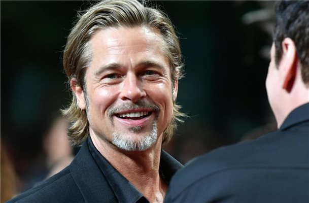 "Brad Pitt bei der Premiere seines Films ""Once upon a time in Hollywood"" in Berlin. Foto: Jens Kalaene/zb/dpa"