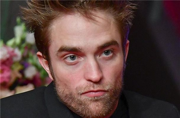 Der Schauspieler Robert Pattinson schlüpft in Rolle des Superhelden Batman. Foto: Jens Kalaene
