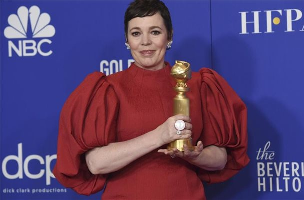 "Für ihre Rolle als Queen Elizabeth II. in ""The Crown"" hat Olivia Colman einen Golden Globe gewonnen. Foto: Chris Pizzello/Invision/AP/dpa"