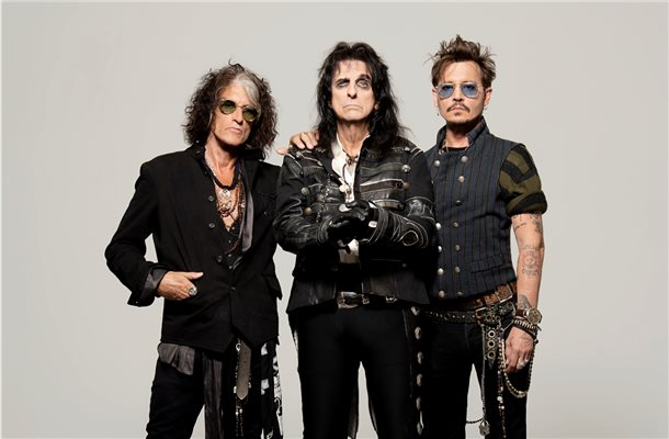 "Johnny Depp (von rechts), Alice Cooper und Joe Perry (Aerosmith) sind die ""Hollywood Vampires"". Foto: Earl Music"