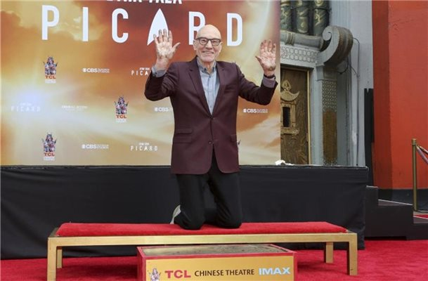 Patrick Stewart hat sich in Hollywood verewigt. Foto: Willy Sanjuan/Invision/dpa
