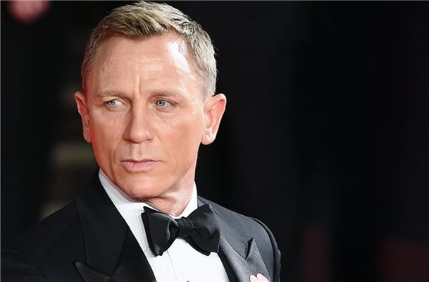 "Schauspieler Daniel Craig kommt 2015 zur Premiere des neuen James Bond Films ""Spectre"" in der Royal Albert Hall in London. Foto: Andy Rain/epa/dpa"