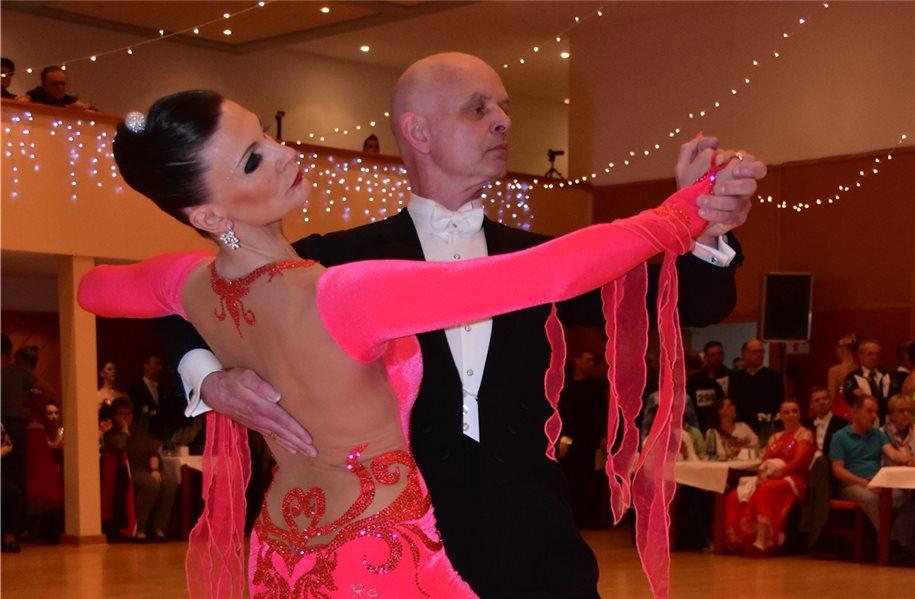 Paar der TSG Nordhorn gewinnt Tanzturnier in Osnabrück