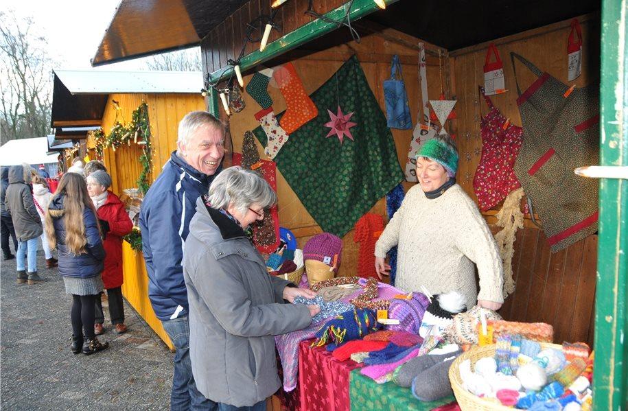 Weihnachtsmarkt Bad Bentheim.Nikolaus Kommt Zum Weihnachtsmarkt In Gildehaus An Der Mühle